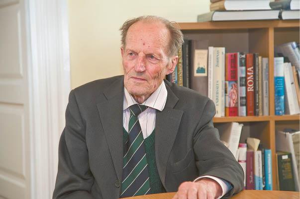 Kazio Griniaus memorialinio muziejaus direktorius Vytautas Grinius sako, kad glausdamas žydus savo namuose Prezidentas rizikavo ne tik būti smerkiamas visuomenės, bet ir savo gyvybe. Už žydų globojimą ir saugojimą jis galėjo būti sušaudytas.