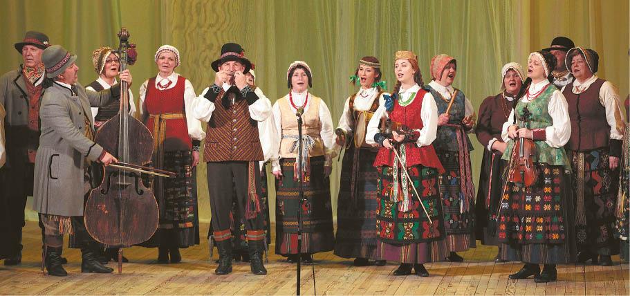 """Dainuojamąją tautosaką puoselėja """"Sūduonia"""", """"Diemedis"""", """"Žibinyčia""""..."""