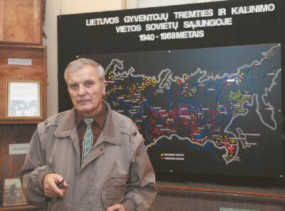 Justinas Sajauskas sako, kad į Marijampolės Tauro apygardos partizanų ir tremties muziejų užeina vis mažiau buvusių partizanų ar tremtinių. O jaunimas šiomis temomis mažai domisi.