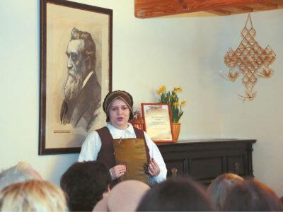 Jono Basanavičiaus namų seklyčioje – Vasario 16-osios minėjimas.