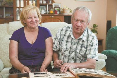 Regina ir Večeslavas Agurkiai dažnai atsiverčia mamos albumą, prisimena jos pasakojimus apie tremtį.