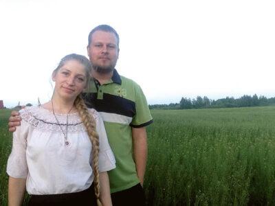 Didžiausias šiandienis ūkininkų Ievos ir Mindaugo Smilgių siekis – atgaivinti nualintą dirvožemį.