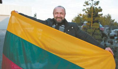 V. Bubinas neslepia, kad jo širdis džiaugtųsi, jei Vasario 16-ąją trispalvės plazdėtų prie visų Lietuvos piliečių namų ar sodybų.