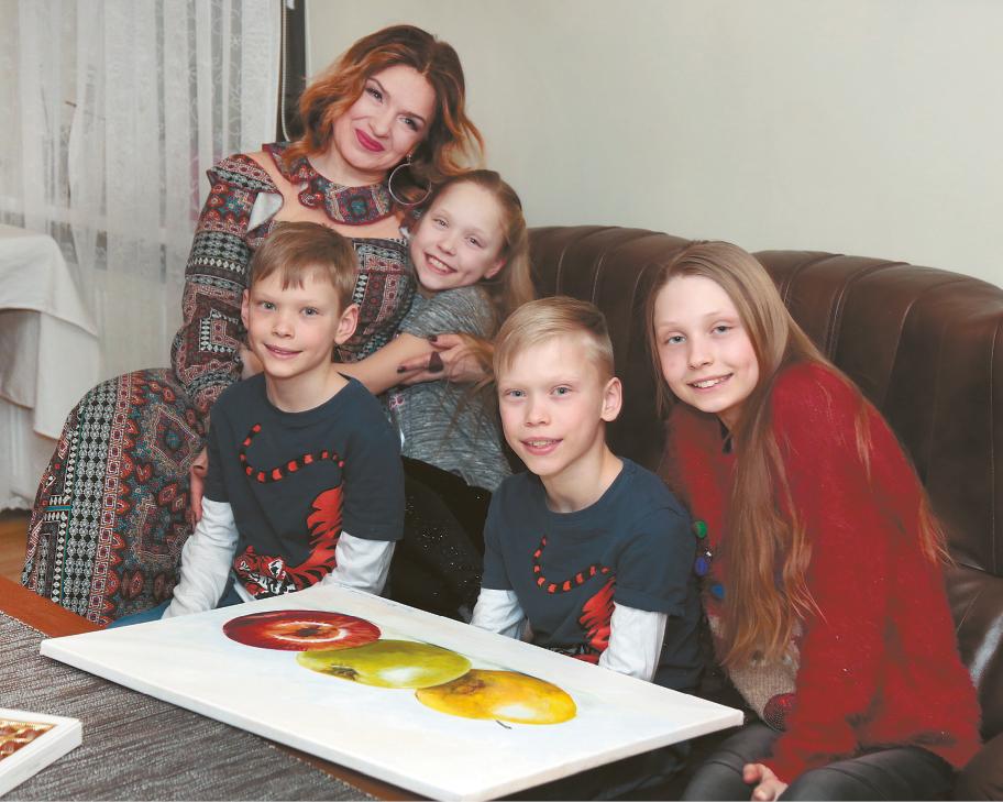 ",,Lietuviški obuoliukai"" – Bartaškevičių trejetukui"