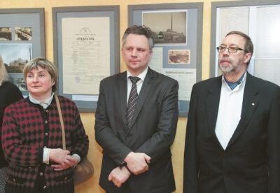 Gintaras Dručkus (dešinėje) ir Ramojus Kraujalis gražiai atsiliepė apie Marijampolės archyvo veiklą ir šią parodą.