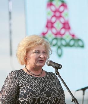 Marijampoliečius ir svečius sveikino merė Irena Lunskienė.
