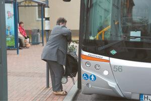 CO2 dujų kiekį ore galima sumažinti dažniau naudojantis viešuoju transportu.