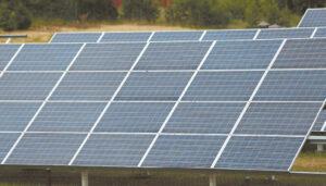 Saulės elektrinių plėtros tikimasi gyventojus skatinant tapti gaminančiais vartotojais.