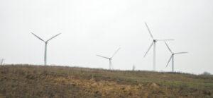 Vėjo jėgainių gaminama elektros energija yra pigiausia.