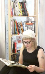 Įsigilinusi į komiksų kultūrą, Ieva Gvazdaitytė įgytomis žiniomis panoro pasidalinti su bibliotekos lankytojais.