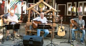 Koncertuoja bardai iš Jurbarko.