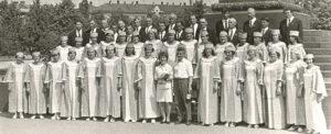 1970 metai: Kalvarijos kultūros namų choras pasiruošęs Dainų šventei.
