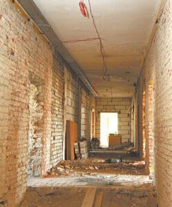 Kalvarijos biblioteka remontuojama – griaunamos pertvaros, kad būtų daugiau erdvės, bus prijungta dar viena nemaža patalpa, skirta salei.