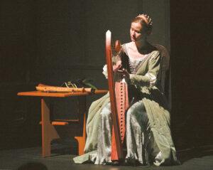 Muzikė Ieva Baublytė atliko senųjų epochų muziką ir supažindino su to meto instrumentais.