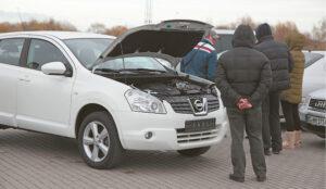 Maža brangaus automobilio kaina neretai tampa masalu pinigams išvilioti.