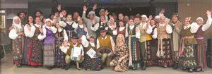"""Kruizinio kelto turistams ir keleiviams """"Gandružis"""" ir zanavykų kolektyvai parengė bendrą nuotaikingą programą."""