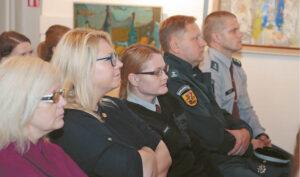 Kai kalbama apie prekybą žmonėmis, žvilgsnis krypsta į policijos pareigūnus, nuo kurių dažnai priklauso aukų gelbėjimo operacijos sėkmė.