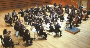 Štai tokiam orkestrui Marius diriguoja ir vadovauja...