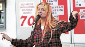"""Jubiliejinis """"Raudonasis vakaras"""": Žydruolės Zenevičienės daina apie gegulę..."""