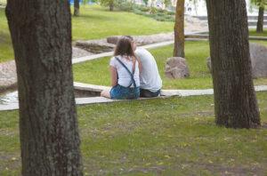 Paaugliai aktyviai ieško artimo draugo, kuriuo būtų galima visur remtis, pasitikėti.