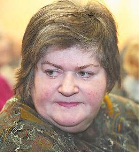 Loreta Dzemijonaitė-Feitušienė sumanė numegzti 300 angelų ir jais papuošti bažnyčią.