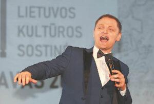 Liudvinaviečiams skambėjo ištraukos iš gražiausių miuziklų, o solistas Liudas Mikalauskas linkėjo, kad Mažojoje kultūros sostinėje gimtų dideli renginiai.