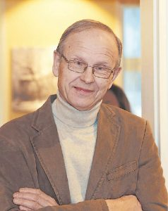 """Eduardas Končius pristatė miniatiūrų parodą """"Senoji Marijampolė"""", kuri turėtų būti įdomi ir meno, ir istorijos mėgėjams."""