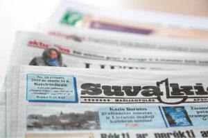 Tradicinės žiniasklaidos priemonės yra kokybiškos ir patikimos, tačiau jų nepakanka, norint teisingai suvokti informaciją. Svarbu skaityti ir internetinius naujienų tinklalapius, užsienio žiniasklaidą. Stokodami gebėjimų naudotis naujosiomis medijomis, senjorai patiria vis didesnę skaitmeninę atskirtį.