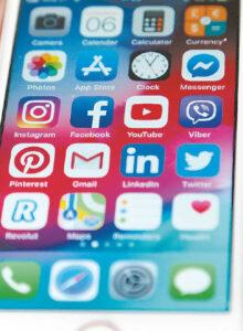 Politinę reklamą, platinamą socialiniuose tinkluose, kontroliuoti ypač sudėtinga.
