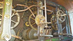 Marijampolės bazilikos bokšto laikrodžio mechanizmas – veikiantis, vienintelis toks Lietuvoje.