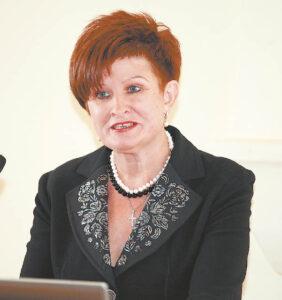 Pasak Švietimo centro direktorės Meilutės Apanavičienės, jų įstaiga atvira visoms naujovėms, pati ieškojusi krypties, kelio ir veiklos stiliaus, dirbanti pagal suaugusiųjų tobulinimosi poreikius.