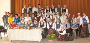 """Nuotrauka atminčiai: """"Sūduonia"""" su svečiais ir kolegomis iš Lenkijos."""