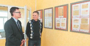 Kauno regioninio valstybės archyvo Marijampolės filialo vedėjas Rimvydas Urbonavičius su Eugenijumi Draseika laukia parodos atidarymo. Svečias, pasivaikščiojęs po miestą, kuriame lankėsi labai seniai, sakė esąs nustebintas tokių ryškių pokyčių...