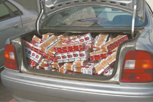 Vis dar pasitaiko atvejų, kai kontrabandinės cigaretės gabenamos taip – jų net neslepiant.