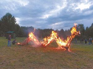 Ugninis žaltys nušvietė rugpjūčio vakarą...