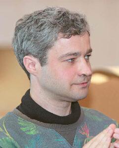 Tautvydas Bajarkevičius sakė, kad jam smagu kalbėti apie Petrą Aleksandravičių, kurio sukurtas paminklas Jonui Jablonskiui – čia pat, šalia jo buvusios gimnazijos...