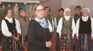 Vertinimo komisijos pirmininkė Teresė Jurkuvienė, ne kartą anksčiau mačiusi šio regiono parodas, sakė esanti maloniai nustebinta – buvo galima atrinkti ir dvigubai daugiau respublikinio konkurso vertų darbų...