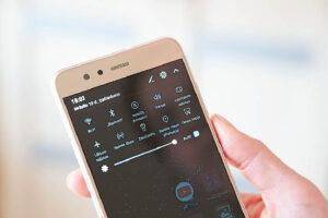 NKSC atkreipia dėmesį nemodifikuoti savo operacinės sistemos, siekiant išgauti daugiau telefono galimybių – tai panaikintų esamas telefono apsaugas ir padidintų kenkėjiškų programų keliamas rizikas.