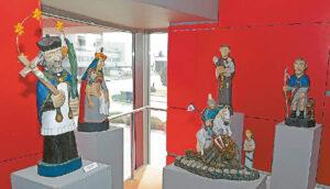 """Antano Lastausko medžio skulptūros nutiesė jam kelią link """"Aukso vainiko""""..."""
