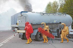 Alytuje gaisras gesintas apie 2 tūkst. kvadratinių metrų ploto sandėliuose, kuriuose buvo laikomos naudotos padangos.