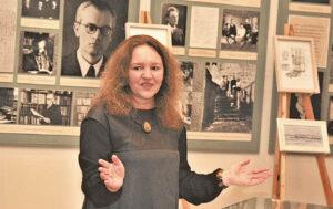 Valė Klesevičienė džiaugėsi, kad į renginį susirinko ir Putino giminės, ir neabejingi jo kūrybai žmonės.