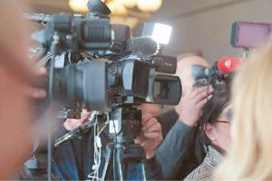 Norėdami būti tikri dėl skleidžiamos žinios nevenkite perversti daugiau žiniasklaidos priemonių.