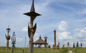 Angelų kalvoje jau beveik šimtas skulptūrų.