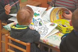 Specialistė sako, kad jei tėveliai nesupranta, ką sako jų trejų metų vaikas, būtina kreiptis į logopedą.