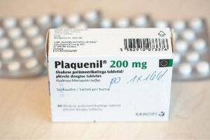 """Vaistą """"Plaquenil"""" prasidėjus koronaviruso pandemijai lietuviai iššlavė iš vaistinių. Baiminamasi, kad užsiimdami savigyda žmonės ne virusą įveiks lengviau, o pakenks savo sveikatai."""