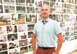 Marijampolėje veikiančios LISPA mokyklos įkūrėjas ir direktorius Vaidas Baranauskas sako, kad sparčiai besikeičiančios technologijos keičia visų gyvenimus, tad turime keisti ir mokymosi stereotipus.                           Redos BRAZYTĖS nuotrauka