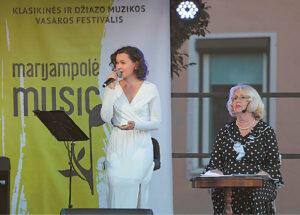 """Legendinė aktorė Vaiva Mainelytė ir solistė Egidija Mačiulytė išjudino """"Laiko malūnus""""... Ričardo PASILIAUSKO nuotraukos"""