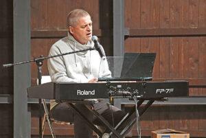 Lino Švirino dainos ir muzika pradėjo renginį.