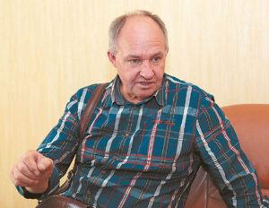 """UAB """"Rokmonas"""" vadovas Juozas Zdancevičius, prekiaujantis ir montuojantis vandens gerinimo įrenginius, sako, kad papildomai filtruoti geriamojo vandens nereikia – tik naudojamą buityje."""