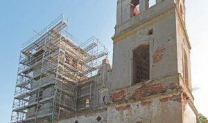 Konservavimo darbų metu bus atstatyti bažnyčios bokštai. Ričardo PASILIAUSKO nuotraukos